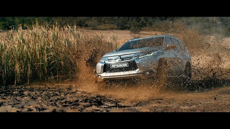 Mitsubishi / Pajero Sport / DC