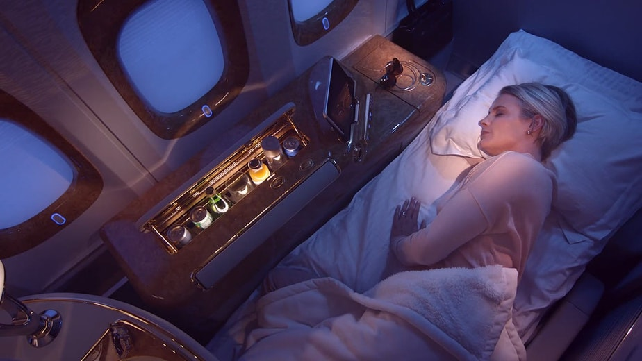 COMMERCIAL: EMIRATES: 'FIRST CLASS'