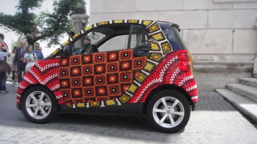 SXSW - 'Knitta Please'