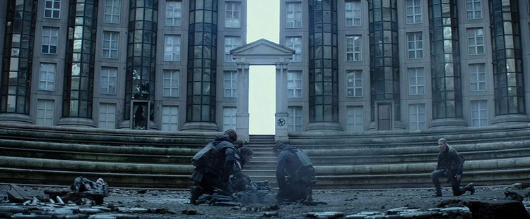 THE HUNGER GAMES : Mockingjay - Part 2 (2014)