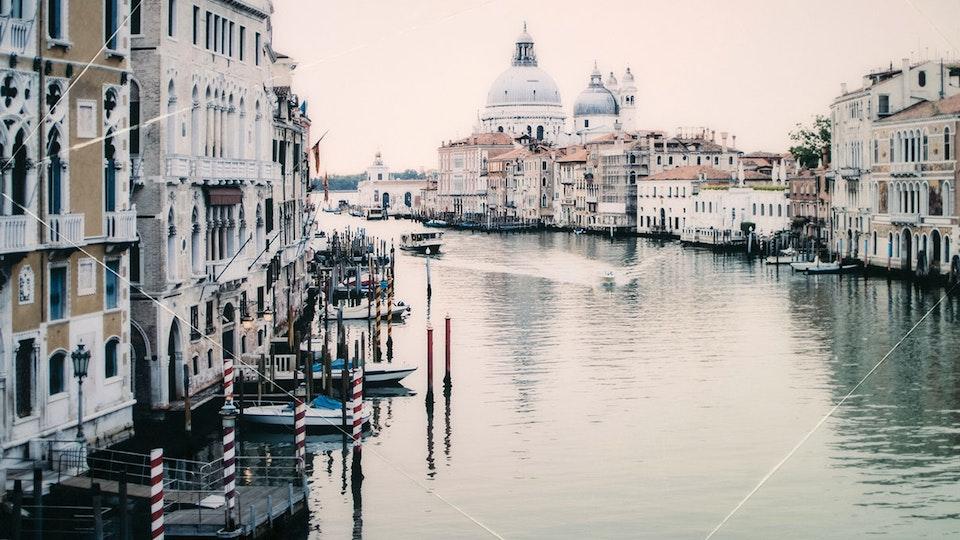 CHRISTINE FLYNN - ITALY