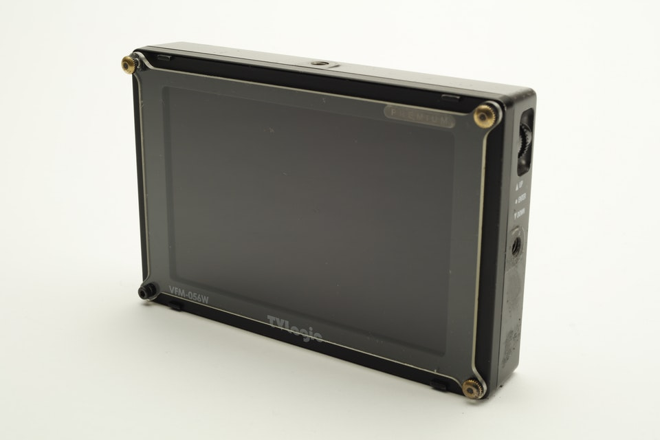 "TVLogic 5.6"" On-Board"