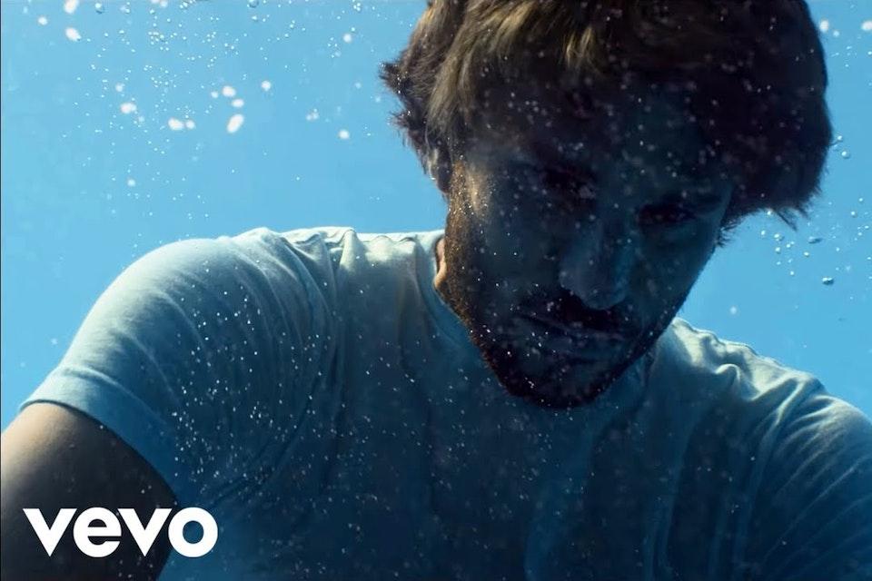 Naughty Boy ft. Beyoncé, Arrow Benjamin - Runnin' (Lose It All) [Official Video]