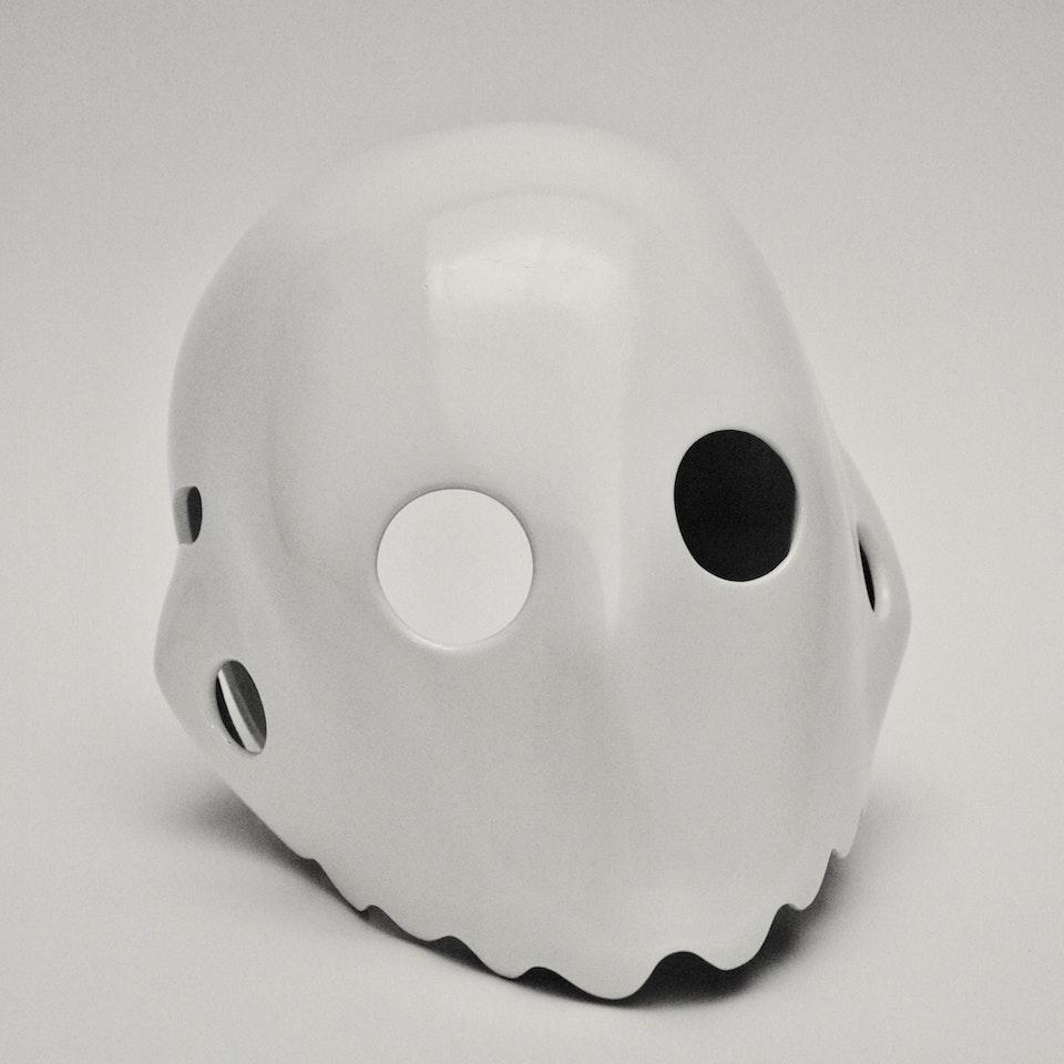 White Helmet Head FC27297E-AAA6-4F20-A902-8AB5946BEB66_1_201_a