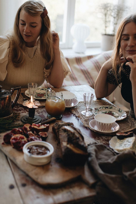 JUL med Elsa Billgren och Sofia Wood