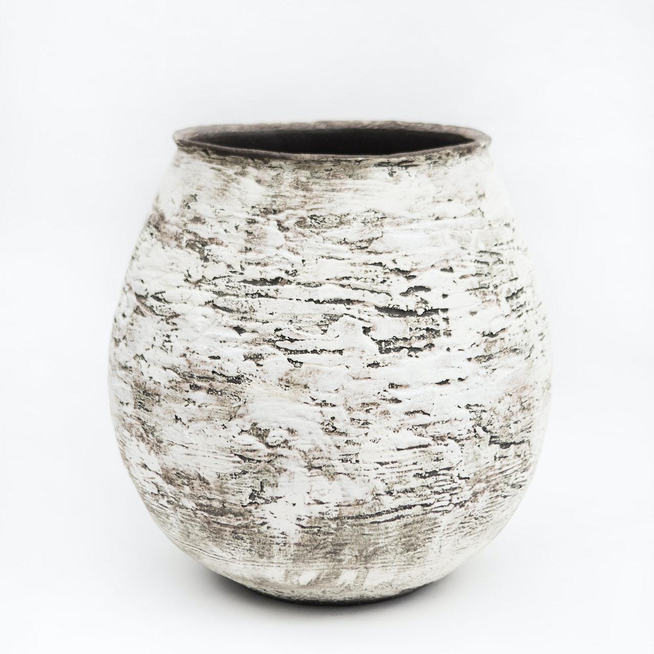 Large Lines open pot