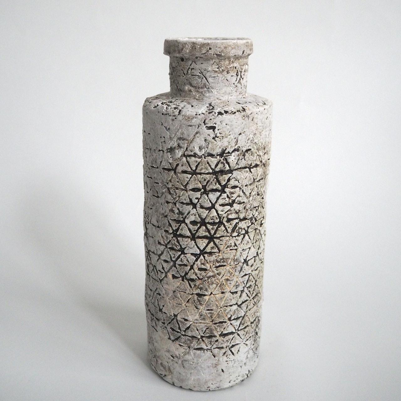 Triangles bottle