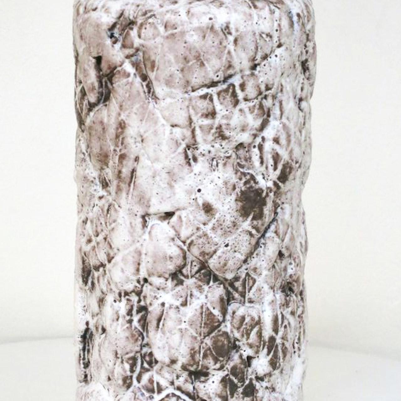 Diamonds mesh bottle