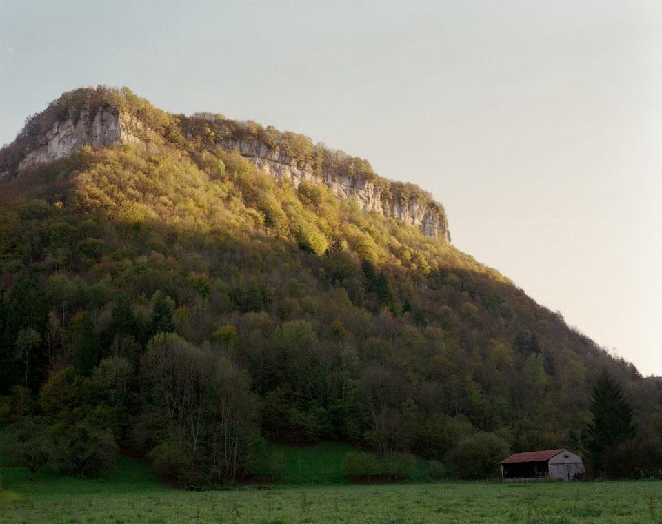 Hors temps - Paysage jurassien - Reculée de Beaume-les-Messieurs, 2006 (100x125cm)