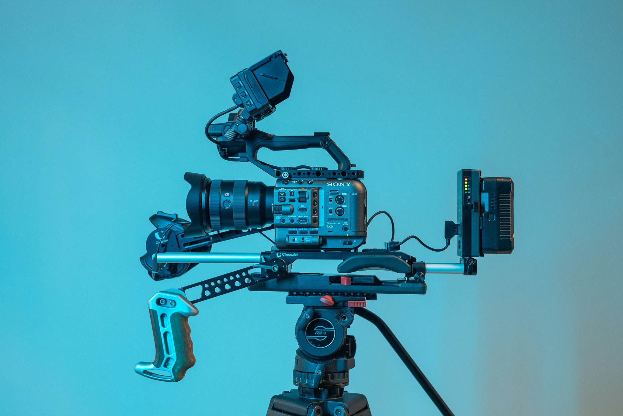 Rigged FX6 with V-mount ready to support external monitor and wireless image transmission