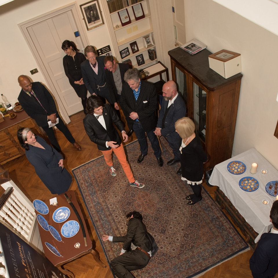 Blue Plaque plates launch, Freud Museum NEWNEW_deadperson
