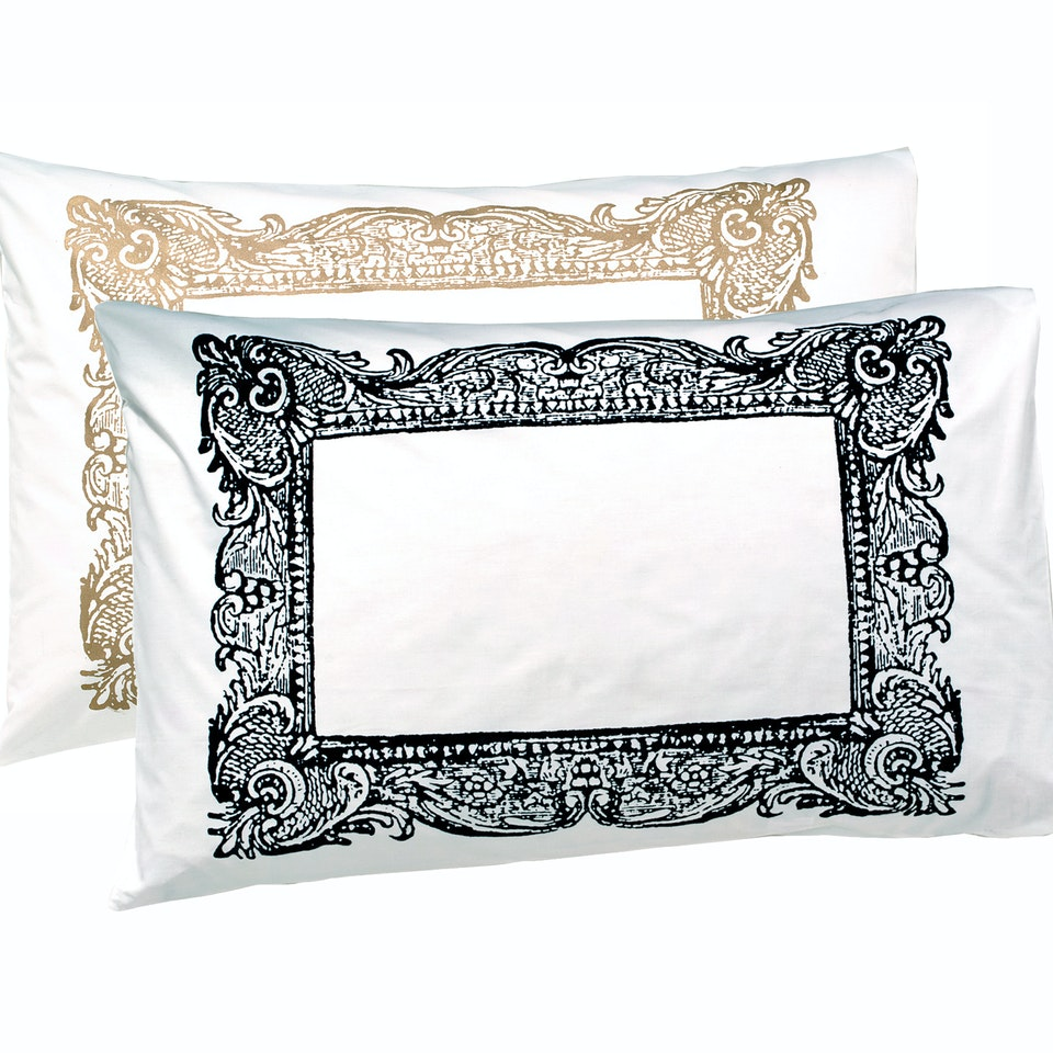 Own-brand product archive goldframeand black frame_cutout