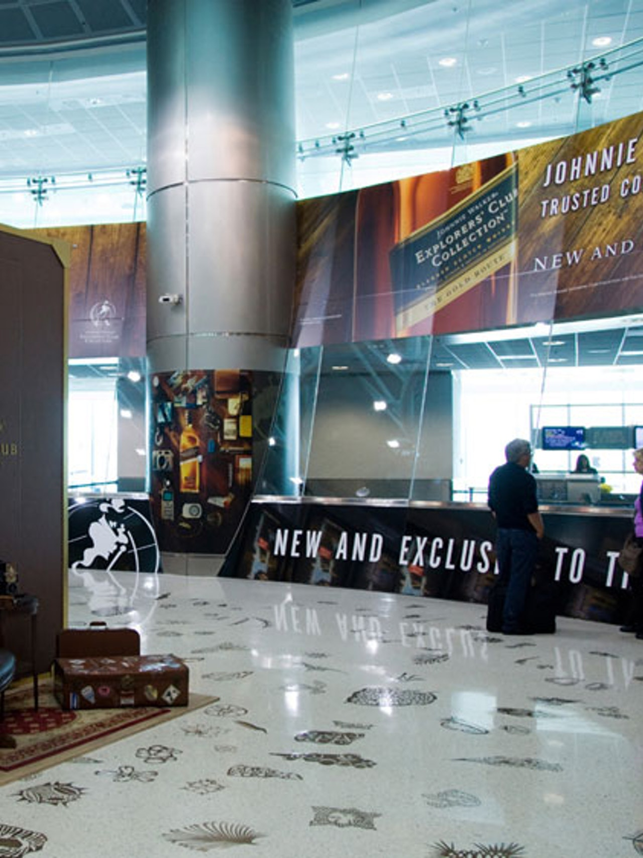 JOHNNIE WALKER EXPLORER'S CLUB COLLECTION - MIAMI INTL. AIRPORT