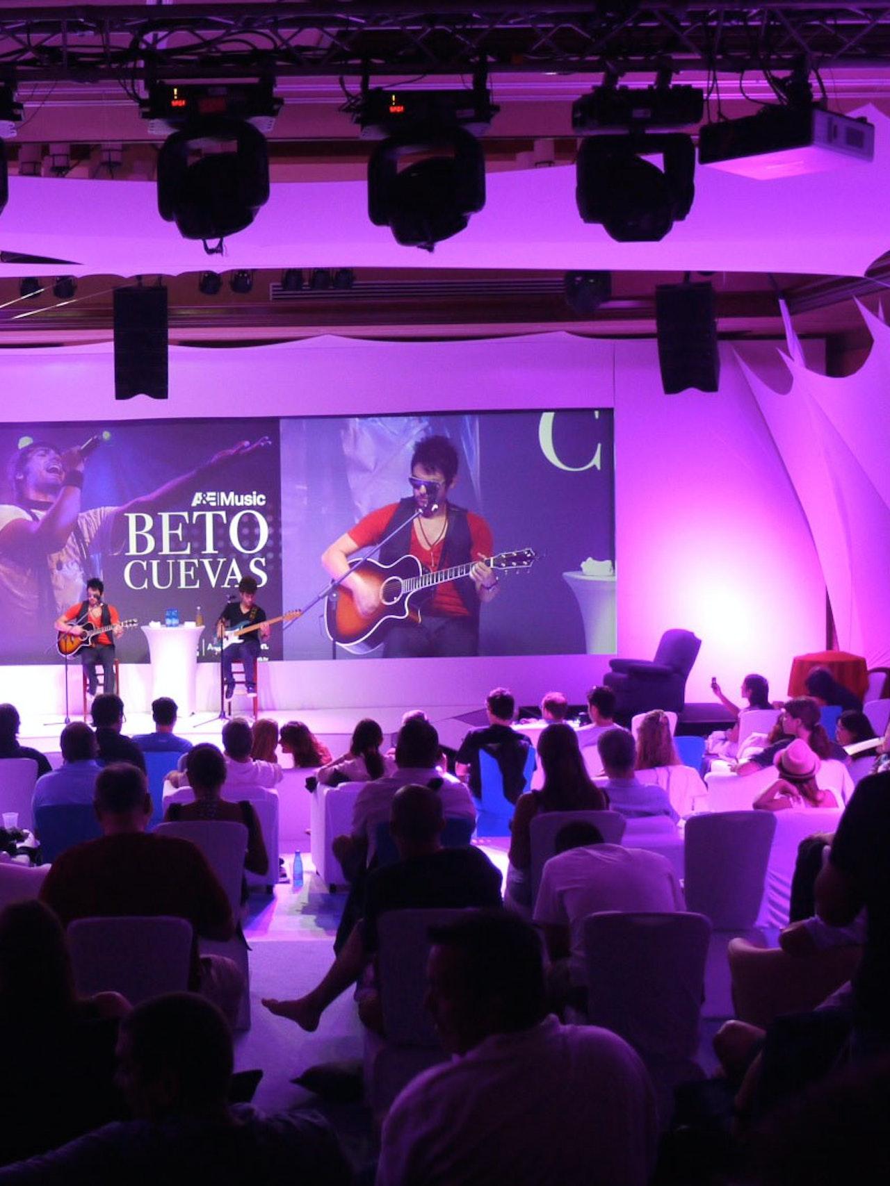 VC MEDIOS CURAÇAO UPFRONT EVENT