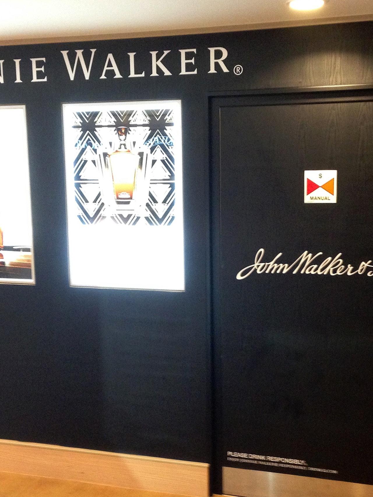 JOHNNIE WALKER STORE - NORWEGIAN CRUISES