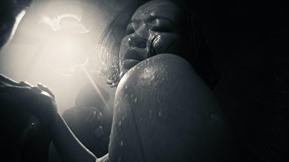 Alewya - Sweating - DIRECTORS CUT.00_07_35_23.Still026