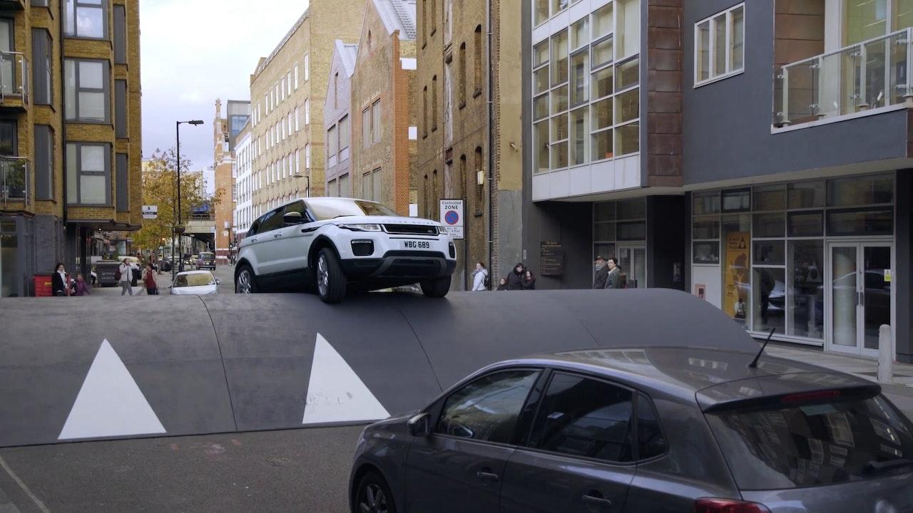 Range Rover Evoque Speedbump challenge