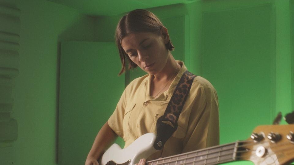 Liz Lawrence - USP (Live Version)