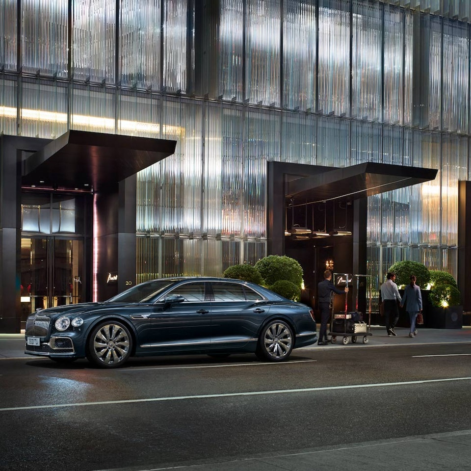Bentley Motors - The New Flying Spur new-flying-spur-customer-book_HIR2-3a