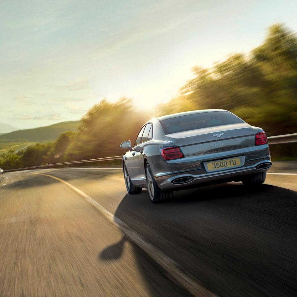 Bentley Motors - The New Flying Spur new-flying-spur-customer-book_HIR2-6