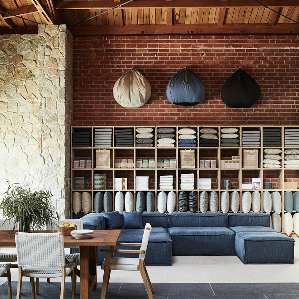 Gena Sigala - Prop Stylist & Set Designer Eco Outdoor Showroom_018
