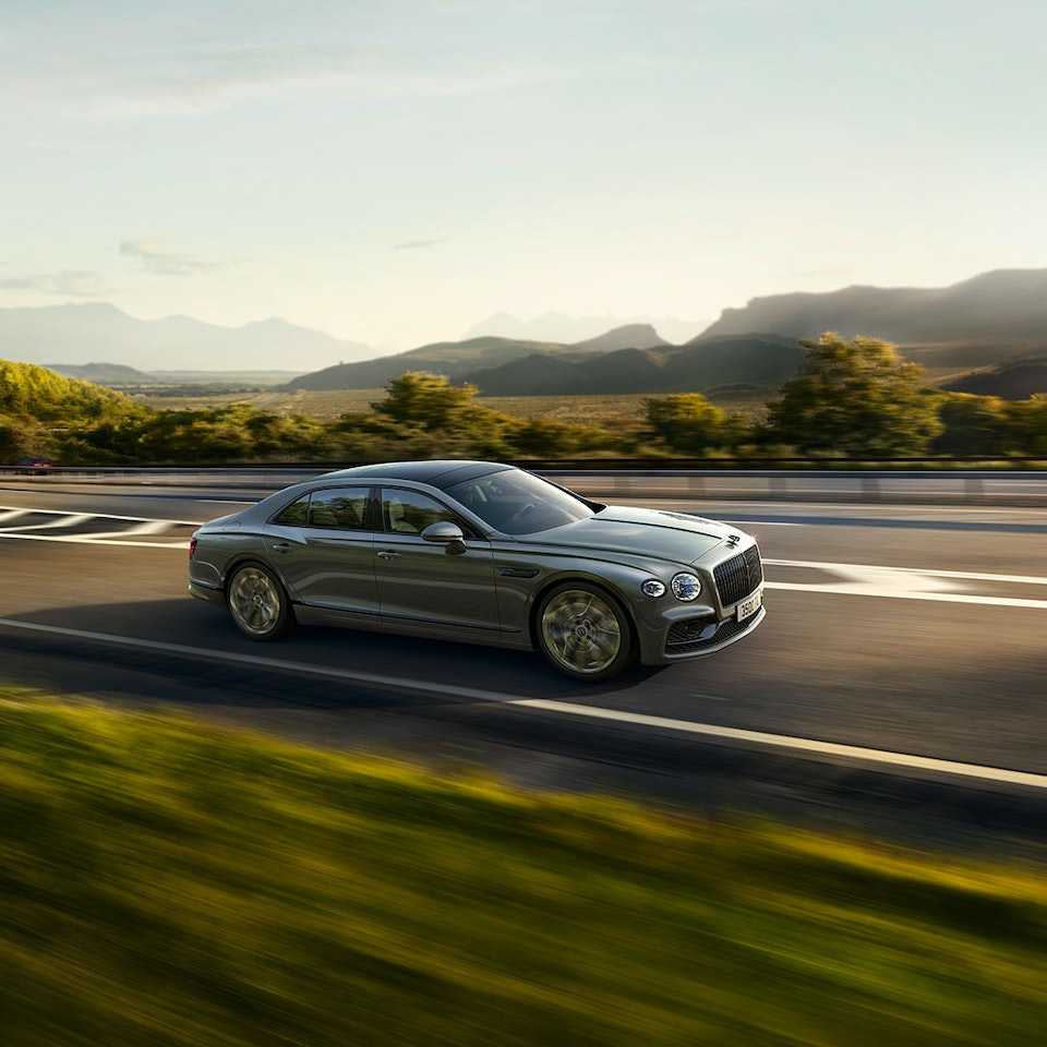Bentley Motors - The New Flying Spur new-flying-spur-customer-book_HIR2-9a
