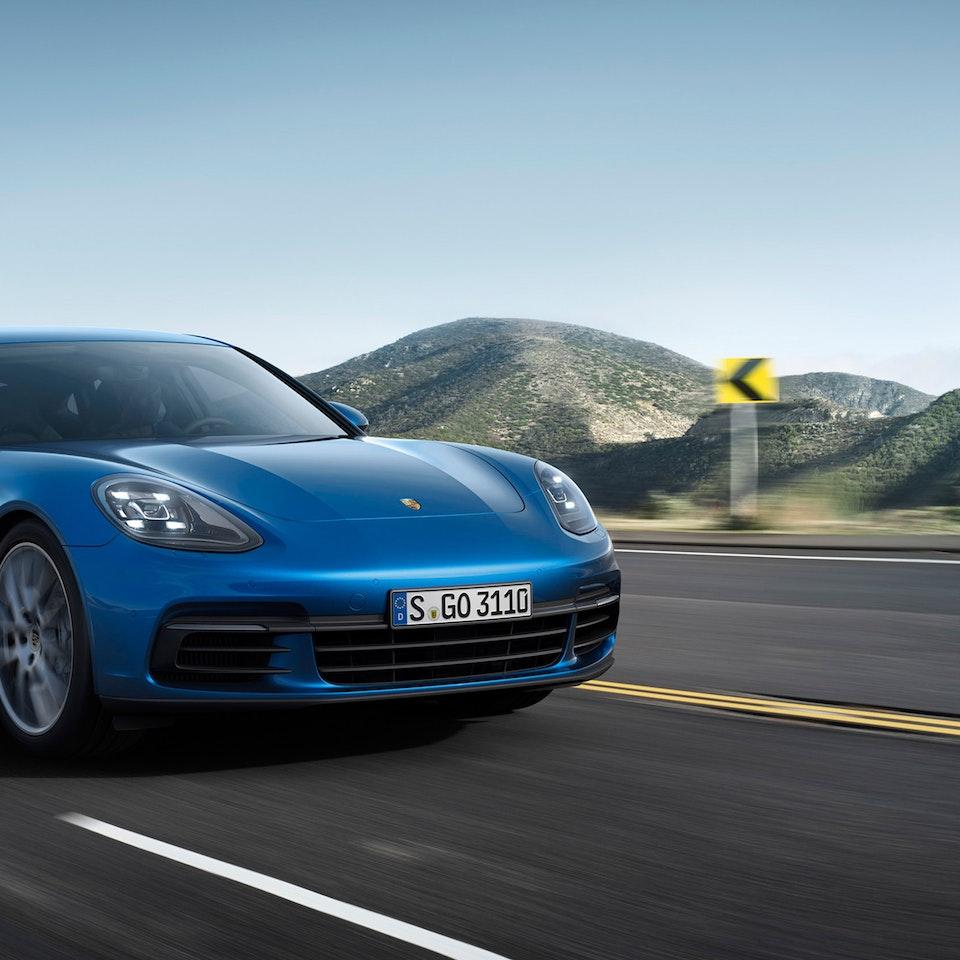 Porsche Panamera - 2017-Porsche-Panamera-Car-Blue-WallpapersByte-com-3840x2400