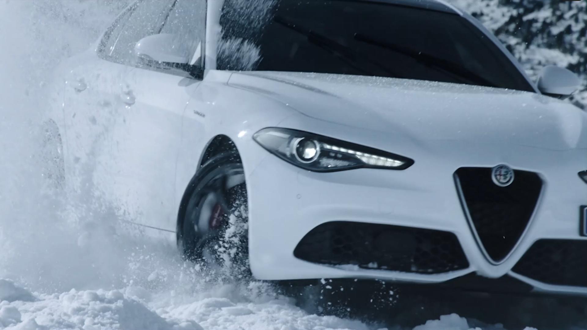 Alfa Romeo - White Side
