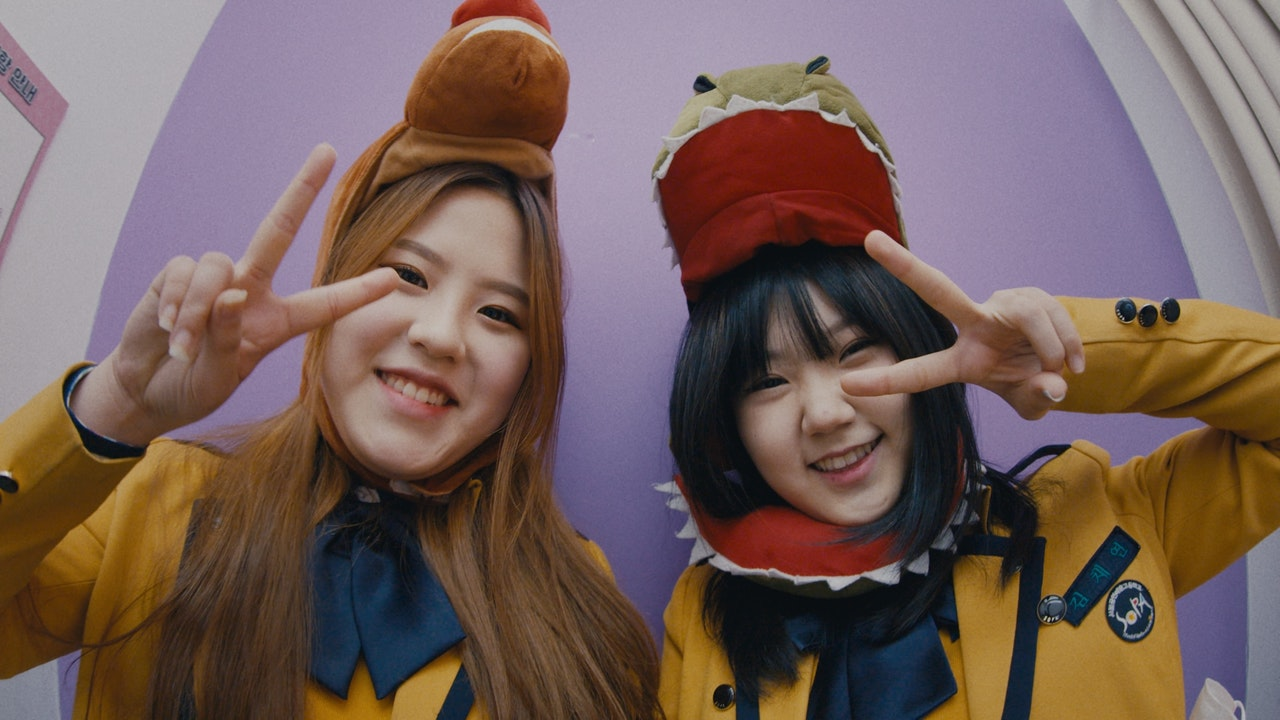 DOCUMENTARY_I-D_WHAT_ITS_LIKE_TO_BE_GEN_Z_IN_SEOUL_02