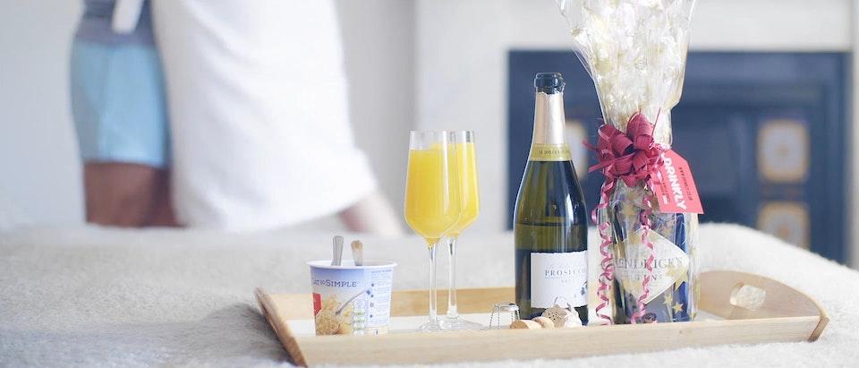 Joséfa Celestin - Drinkly - Saving Your Ass - Couple Gifting Advert
