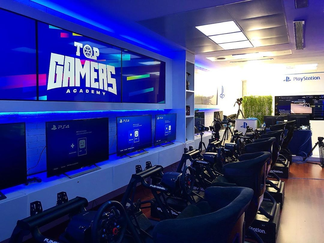 Top Gamers Academy logo in use