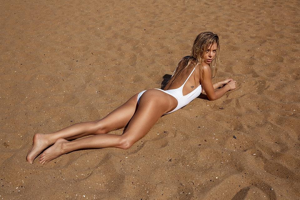 The Bikini Diaries - Danielle Knudson