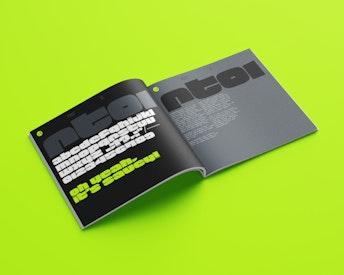 RT01 Display Typeface ≥