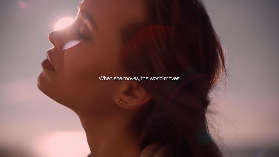 When She Moves - GEORG  JENSENS 4