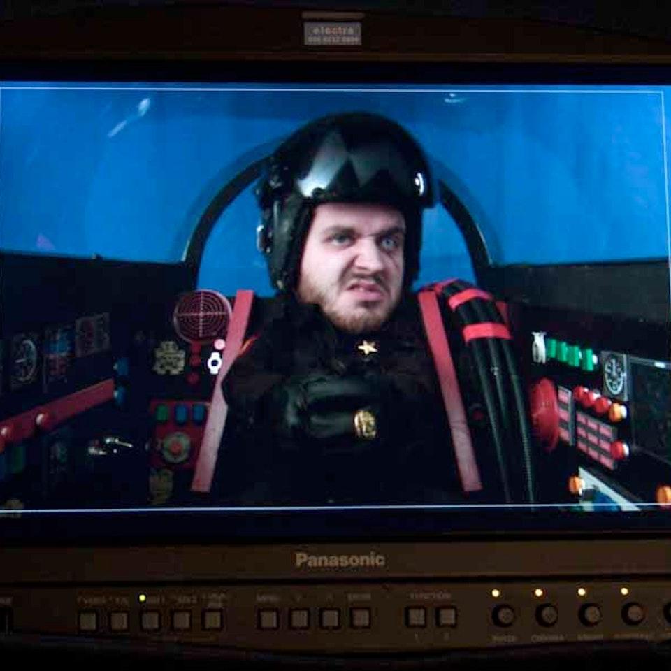Broken Biscuits - TOP FAN - BBC3 - Martin in Python's Cockpit