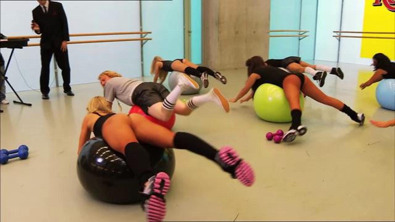 KEITH LEMON'S FIT: 'BALLS ON THE FLOOR'