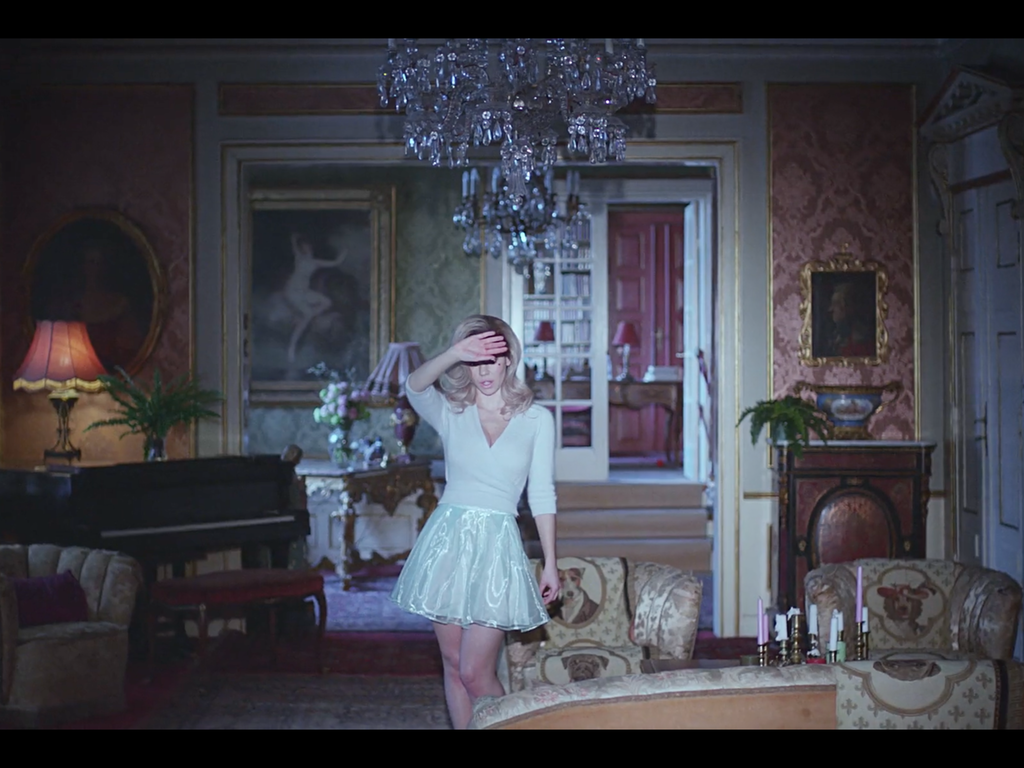Marina and the Diamonds                                     Directed by Casper Balslev - Love Promos