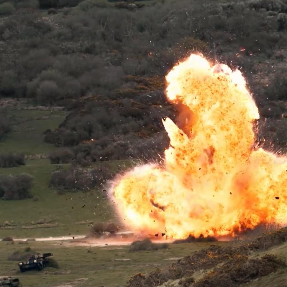 KIT LYNCH-ROBINSON - Stunts / Action / Explosions