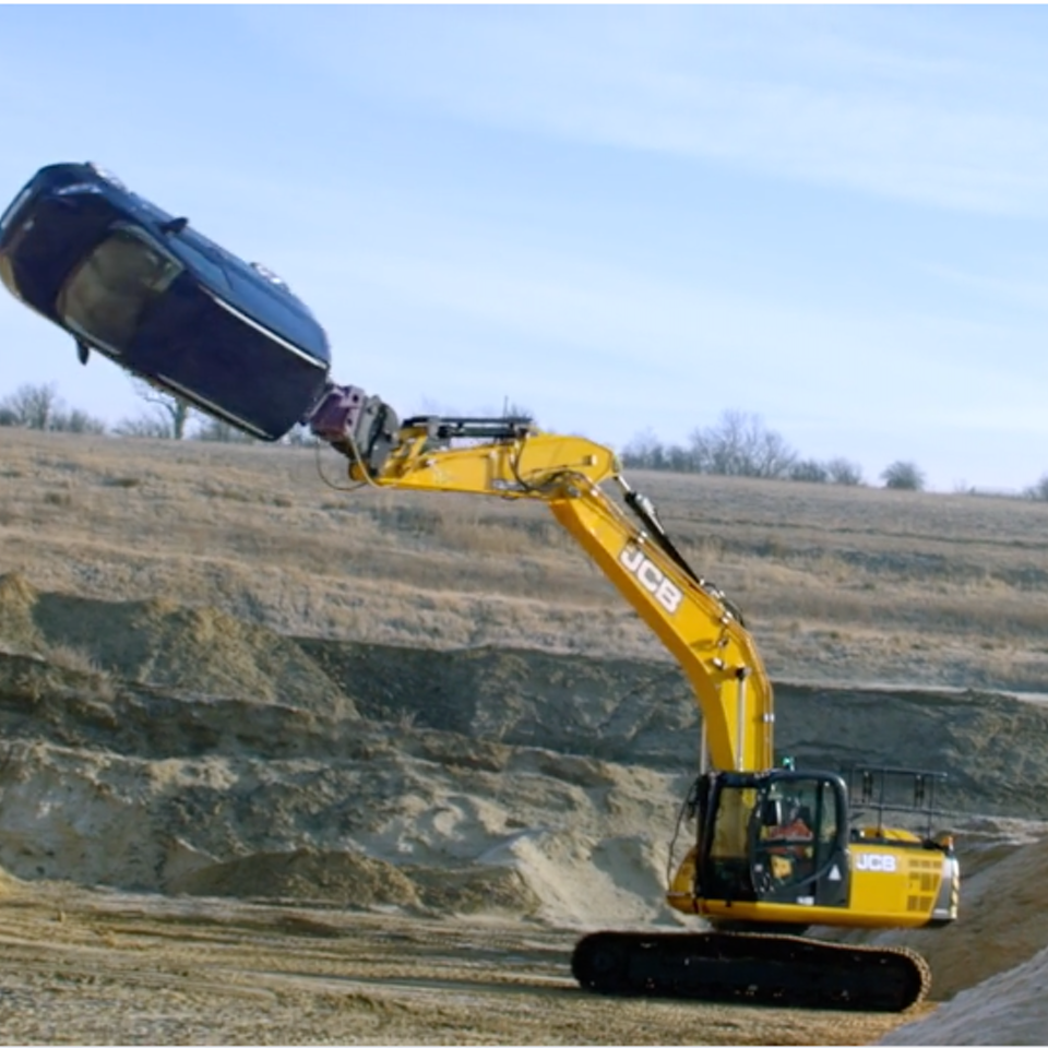 KIT LYNCH-ROBINSON - Ford Transit 'Digger'