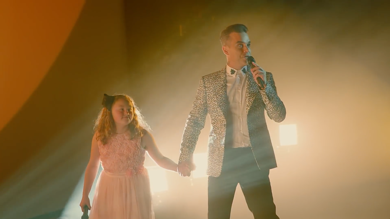 "Mastercard - ""Live the Priceless Side of Music with Robbie Williams"""