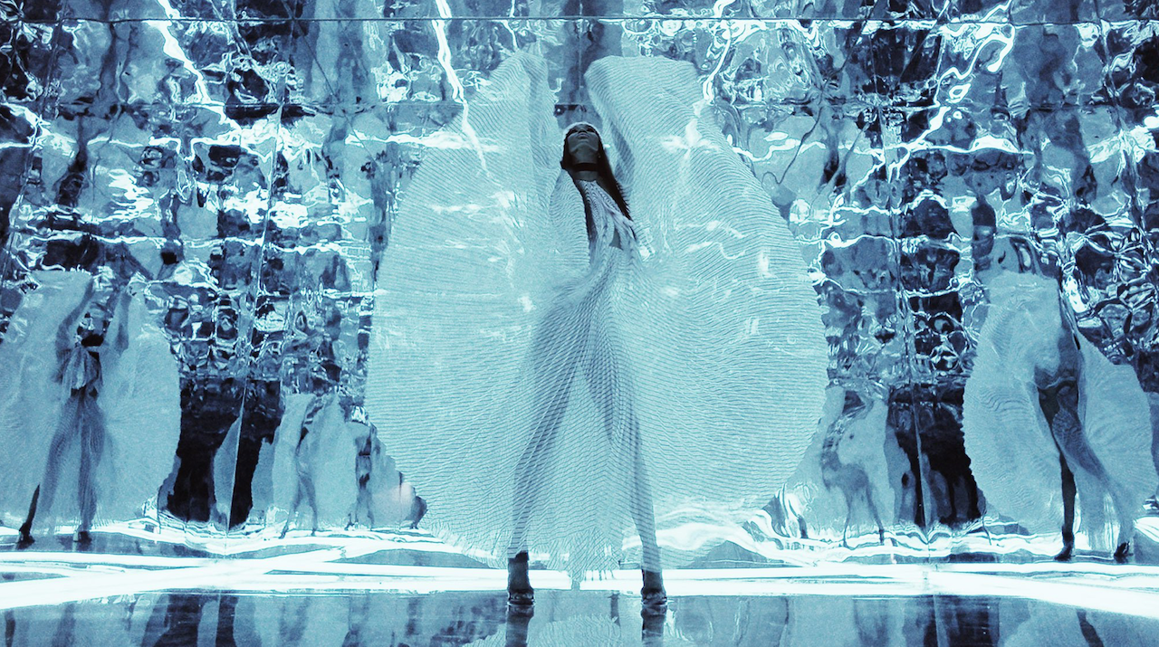 FASHION FILM: HIGH PERFORMANCE For EQUINOX Ftr Naomi Campbell