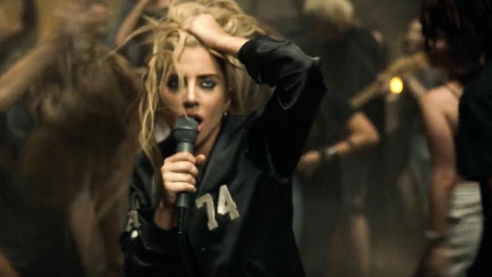 Lady Gaga- Perfect Illusion / Dir: Ruth Hogben & Andrea Gelardin / Lobster Eye