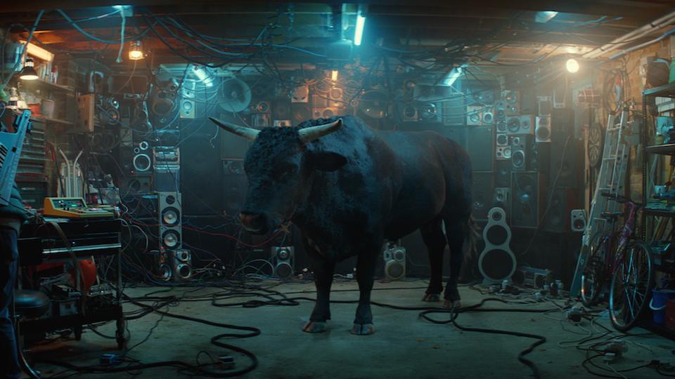 "Money Super Market ""Bull""  / Director: Diarmid Harrison- Murray / Untold Studios"