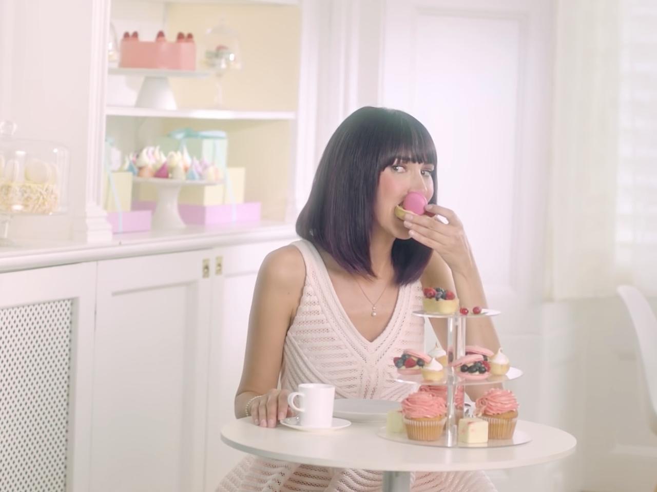 L'Oréal Casting Creme Gloss - Little White Lies