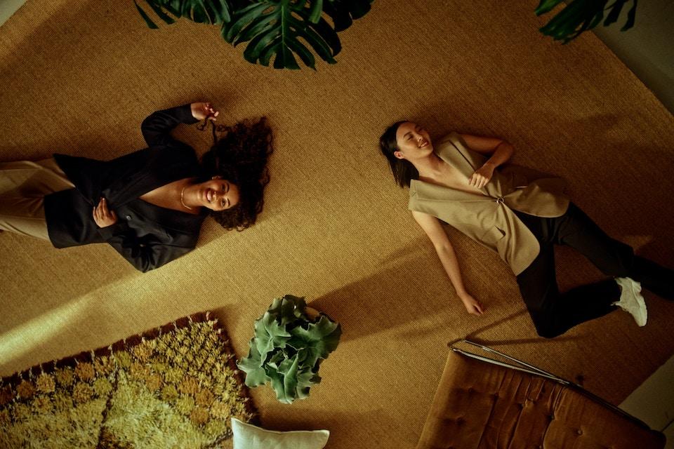 H&M-LOVELOOP_DC_MASTER_FINAL_LOGO.00_00_28_23.Still015