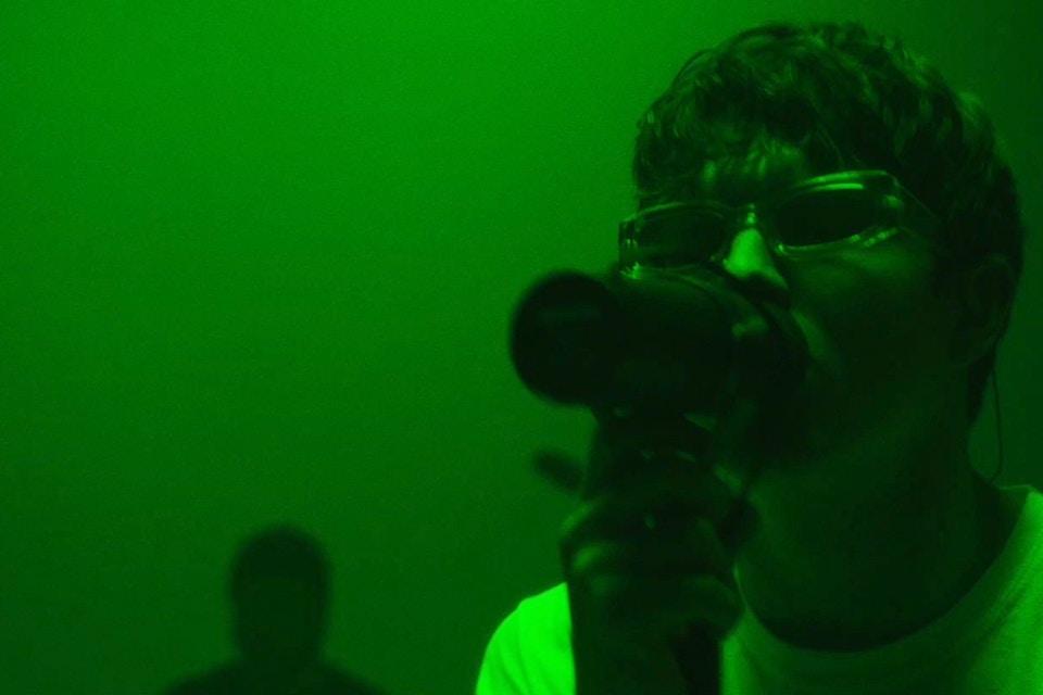 BOY IN SPACE - CAROLINE (LIVE VIDEO)