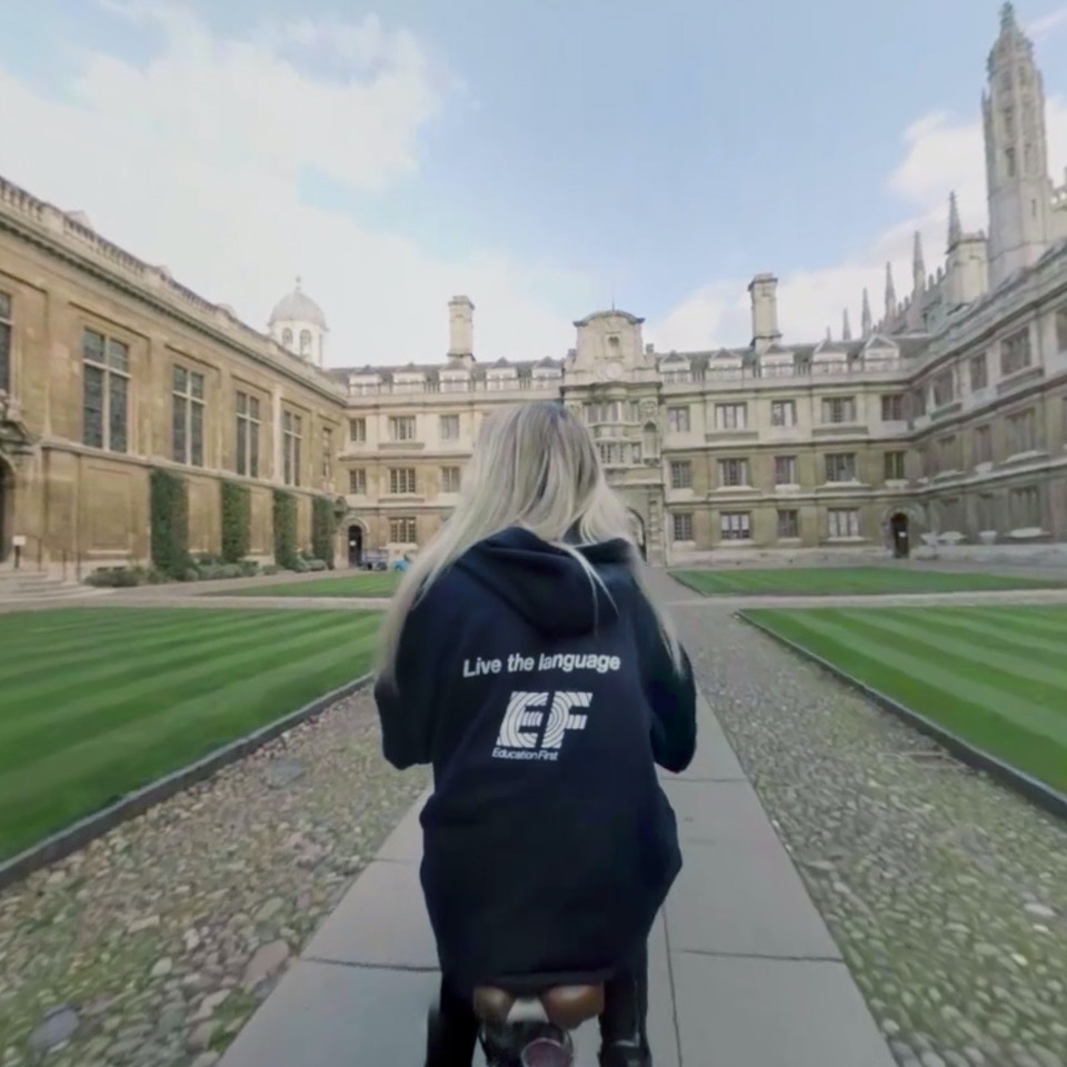 EF EDUCATION FIRST VIRTUAL REALITY APP