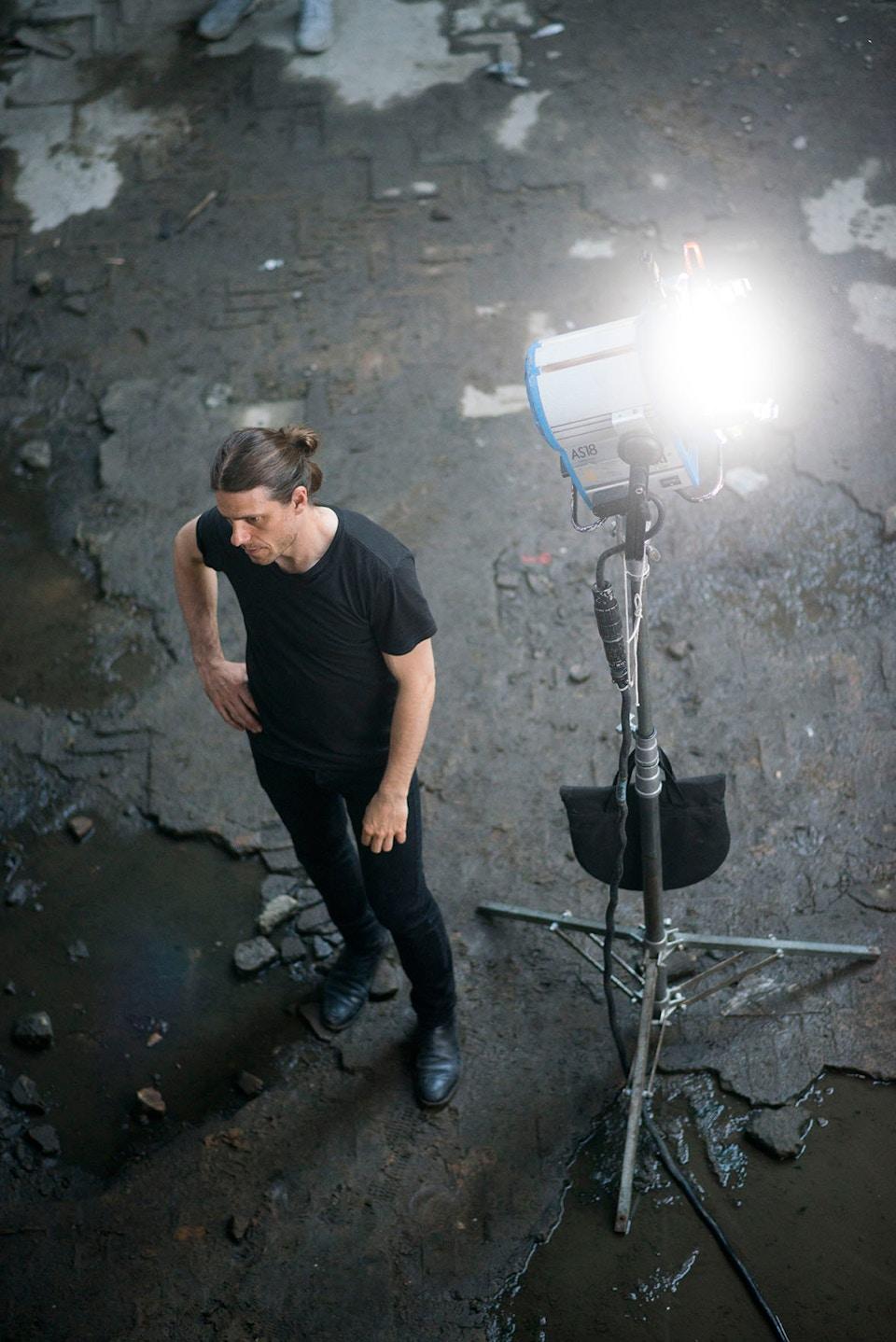 DOP Erik Sohlström on set of XXL in Rio. Photo ©Miguel Blanc/Southwest