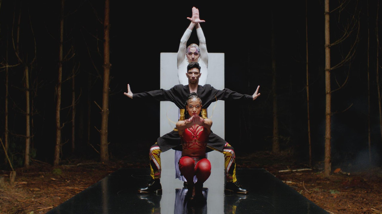 fka twigs - Glass & Patron - Director: fka twigs