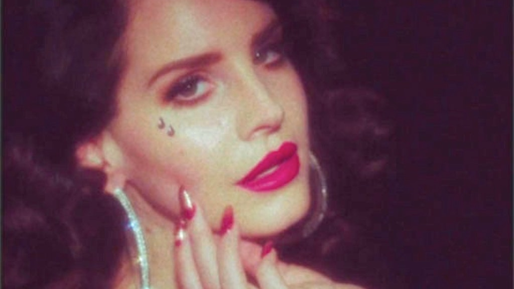 Lana Del Rey 'Young and Beautiful'